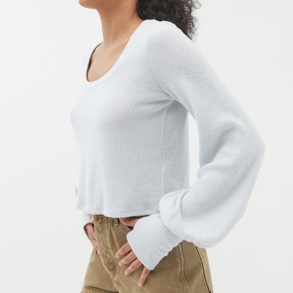 URBAN OUTFITTERS COZY BALLOON SLEEVE TOP